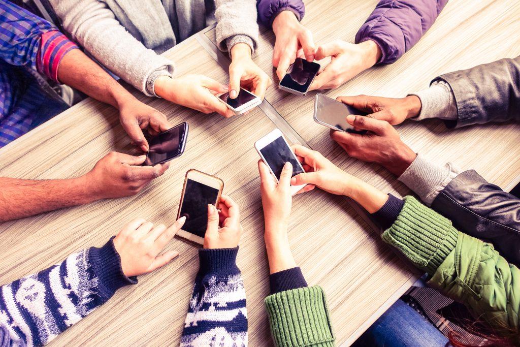 Smartphone, Handy, Coaching, Seminar, Leben, Erfolg, Life, Kommunikation, News, Karriere, Beziehung